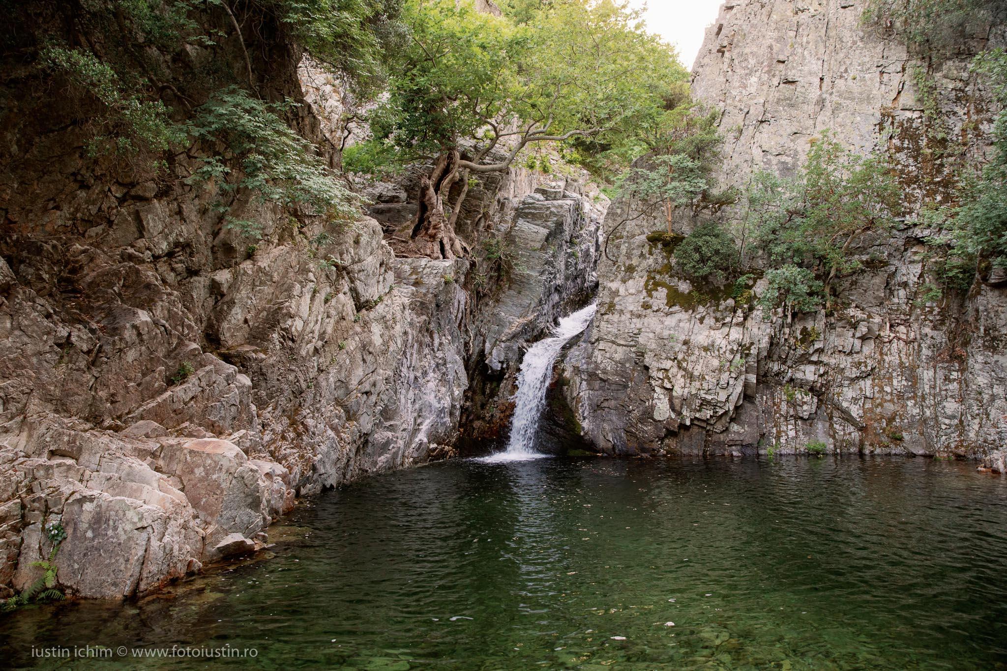 Cascadă pe râul Fonias