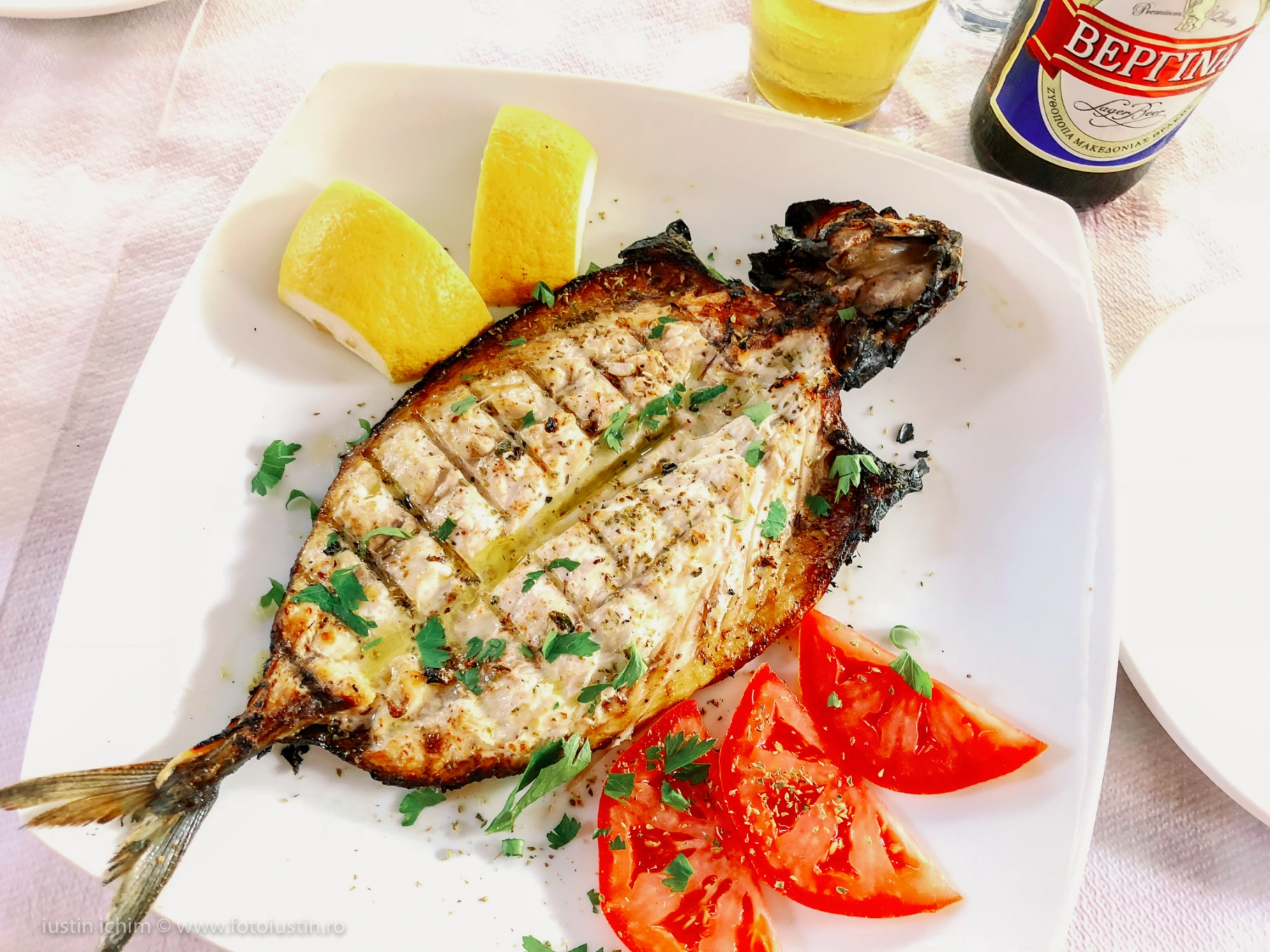 Pește proaspăt la grătar