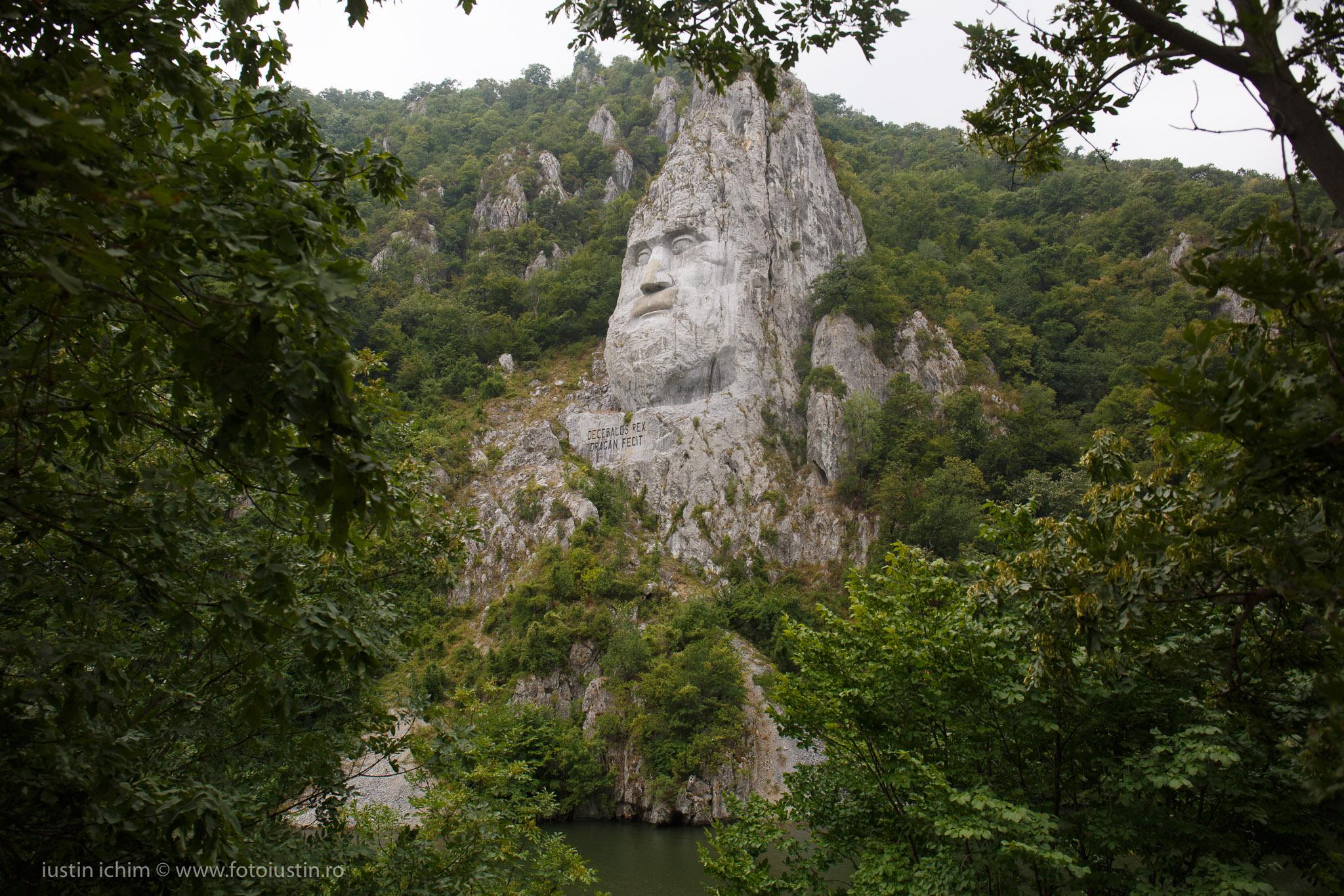 Statuie Regele Decebal, Cazanele Dunării
