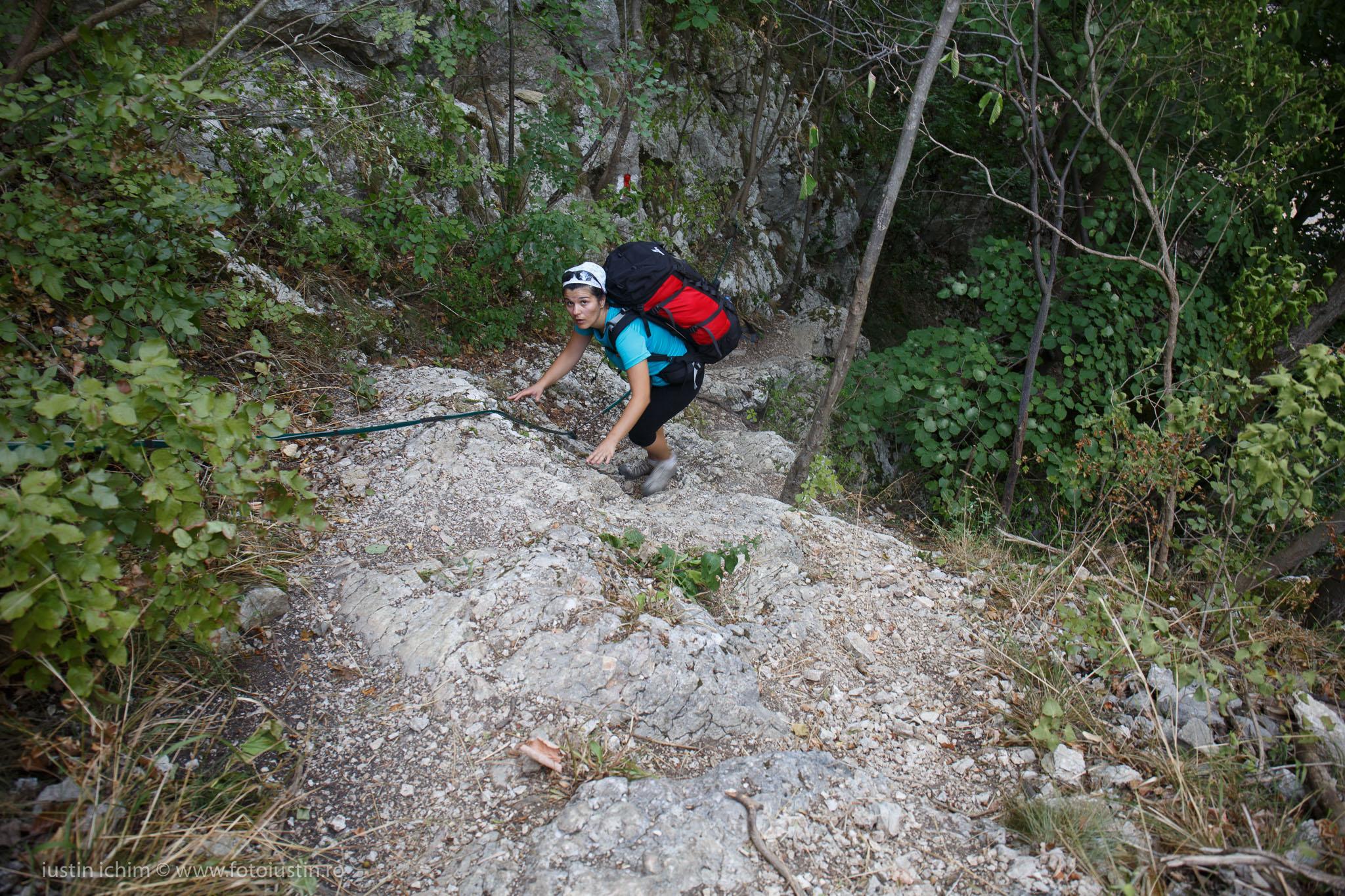 Zona de cățărare pe traseul Cheile Nerei