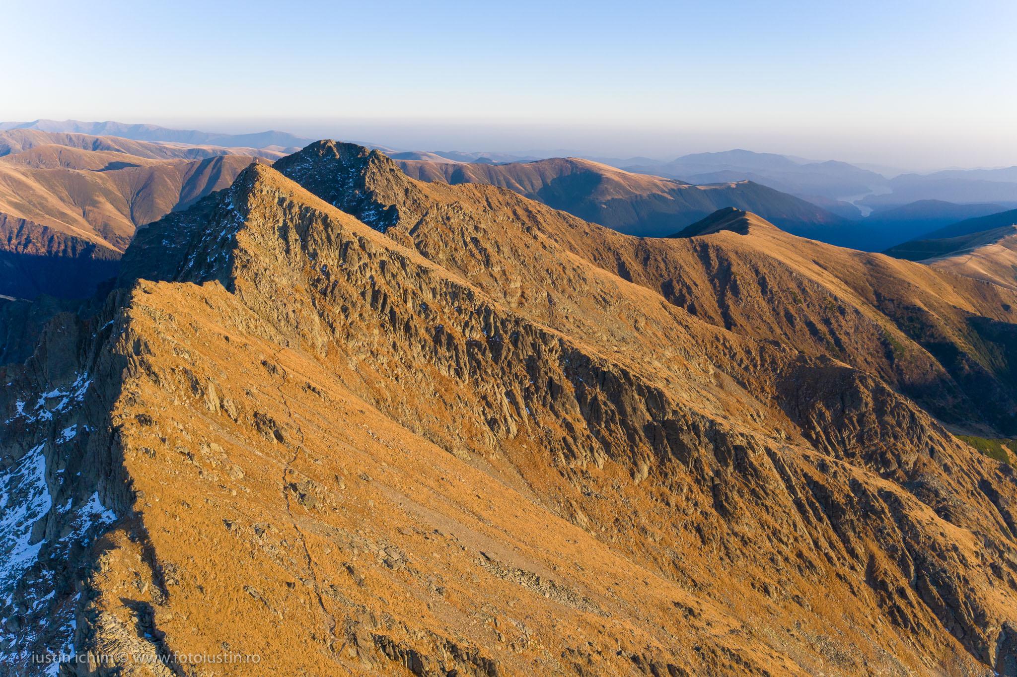 Munții Făgăraș, vedere aeriană Negoiu