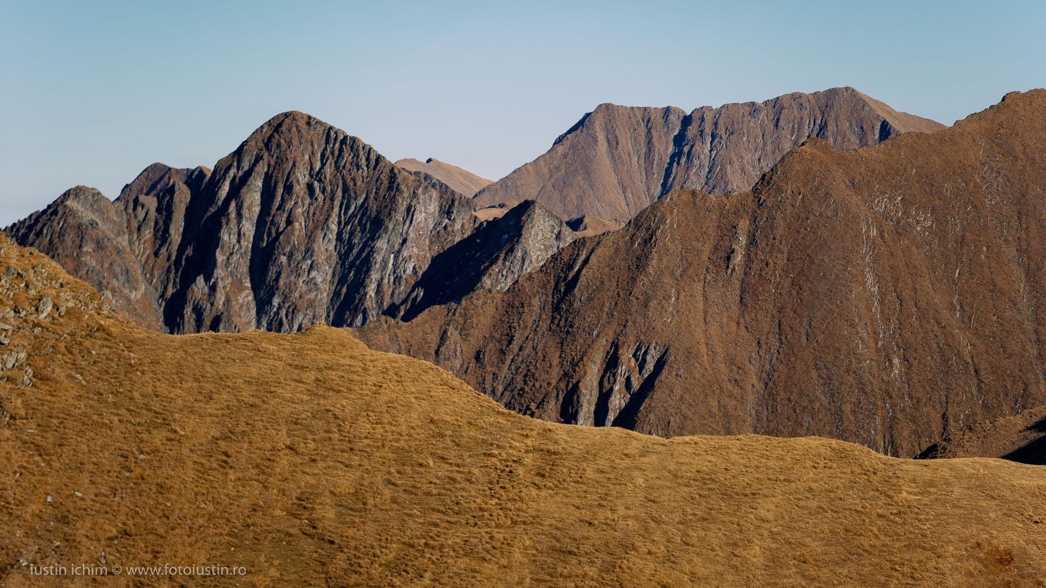 Munții Făgăraș, Vf. Moldoveanu in departare