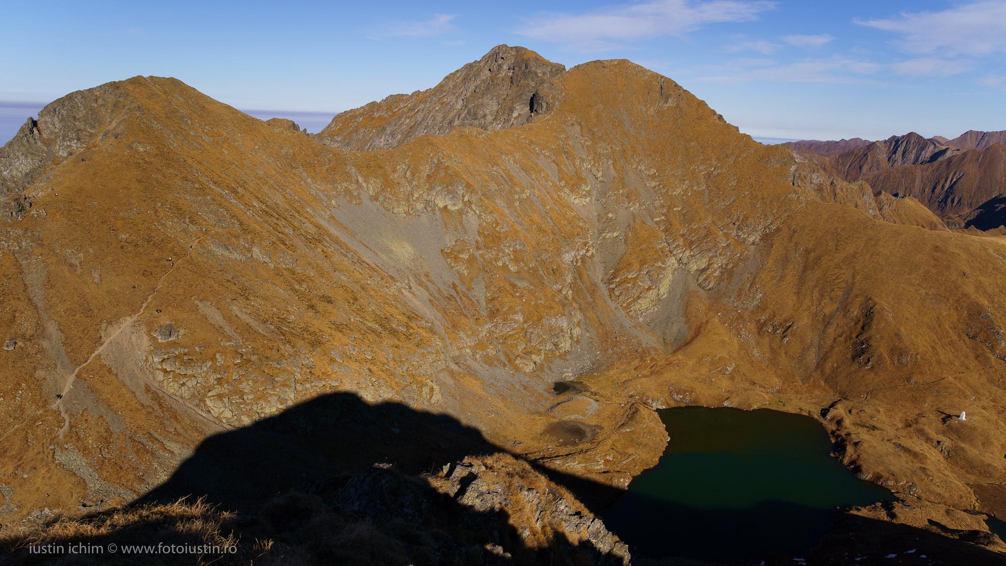 Vf. Văiuga, Vf. Vânătoarea Lui Buteanu si Lacul Capra