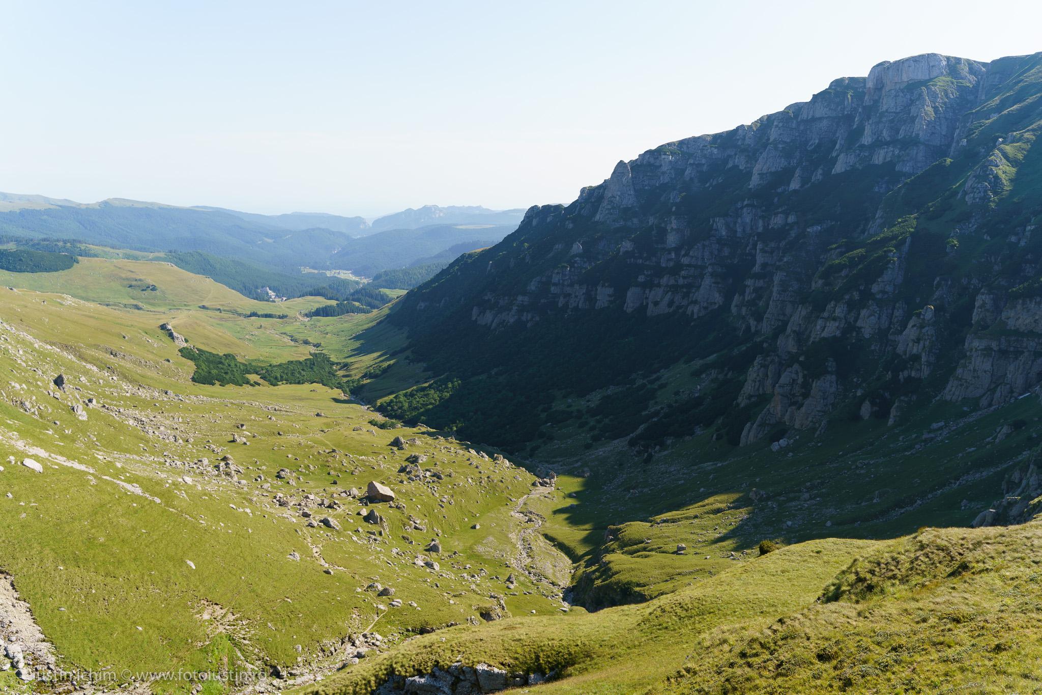 Culmea Doamnele, Valea Obârşia lalomiţei