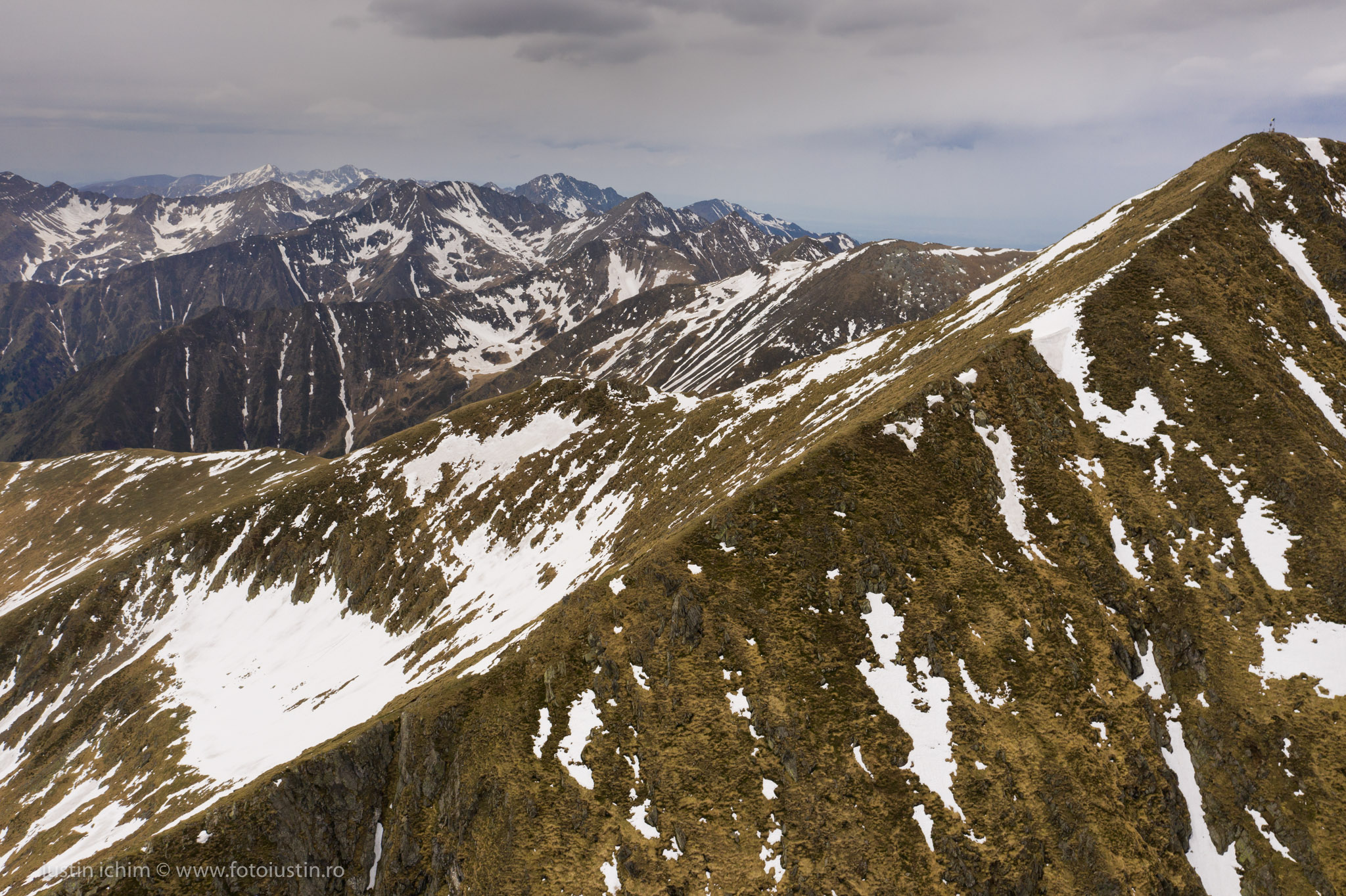 Munții Făgăraș, Vf. Moldoveanu/ Stânga