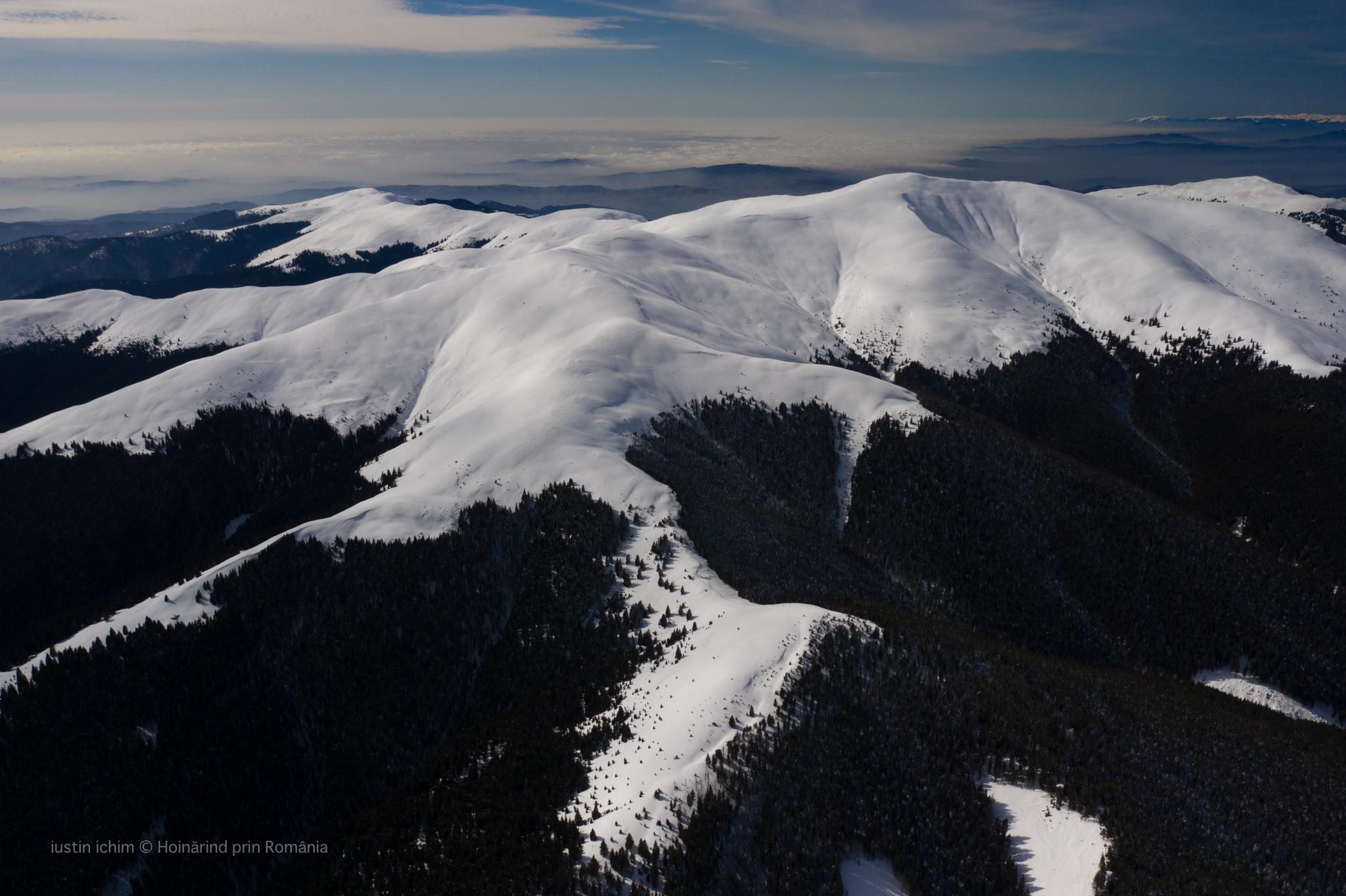 Munții Leaota, vedere aeriană