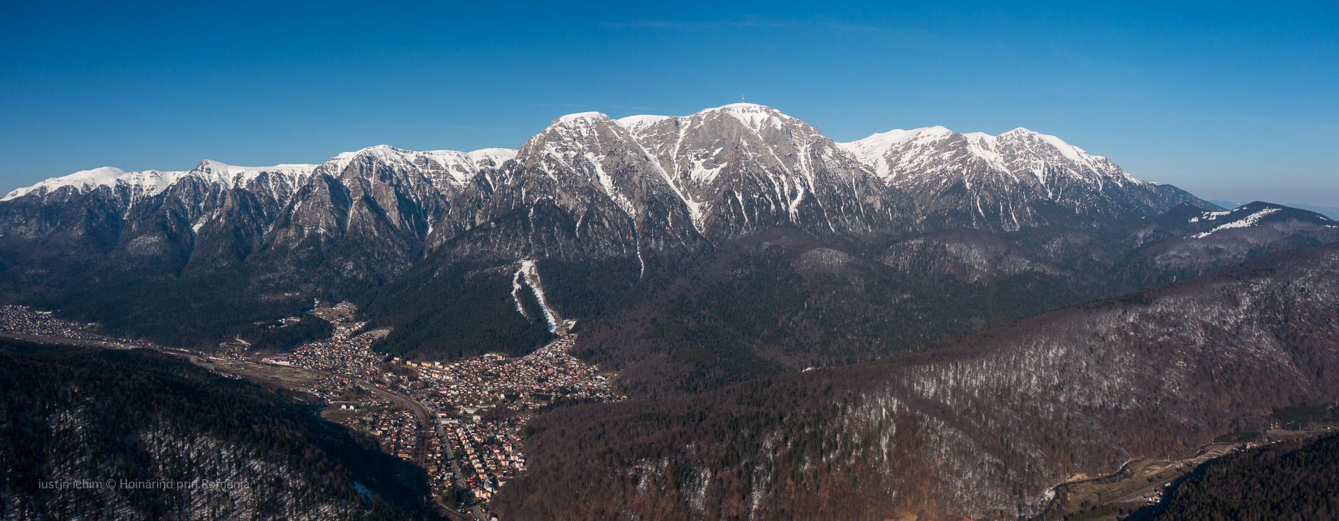 Panoramic Munții Bucegi si stațiunea Bușteni
