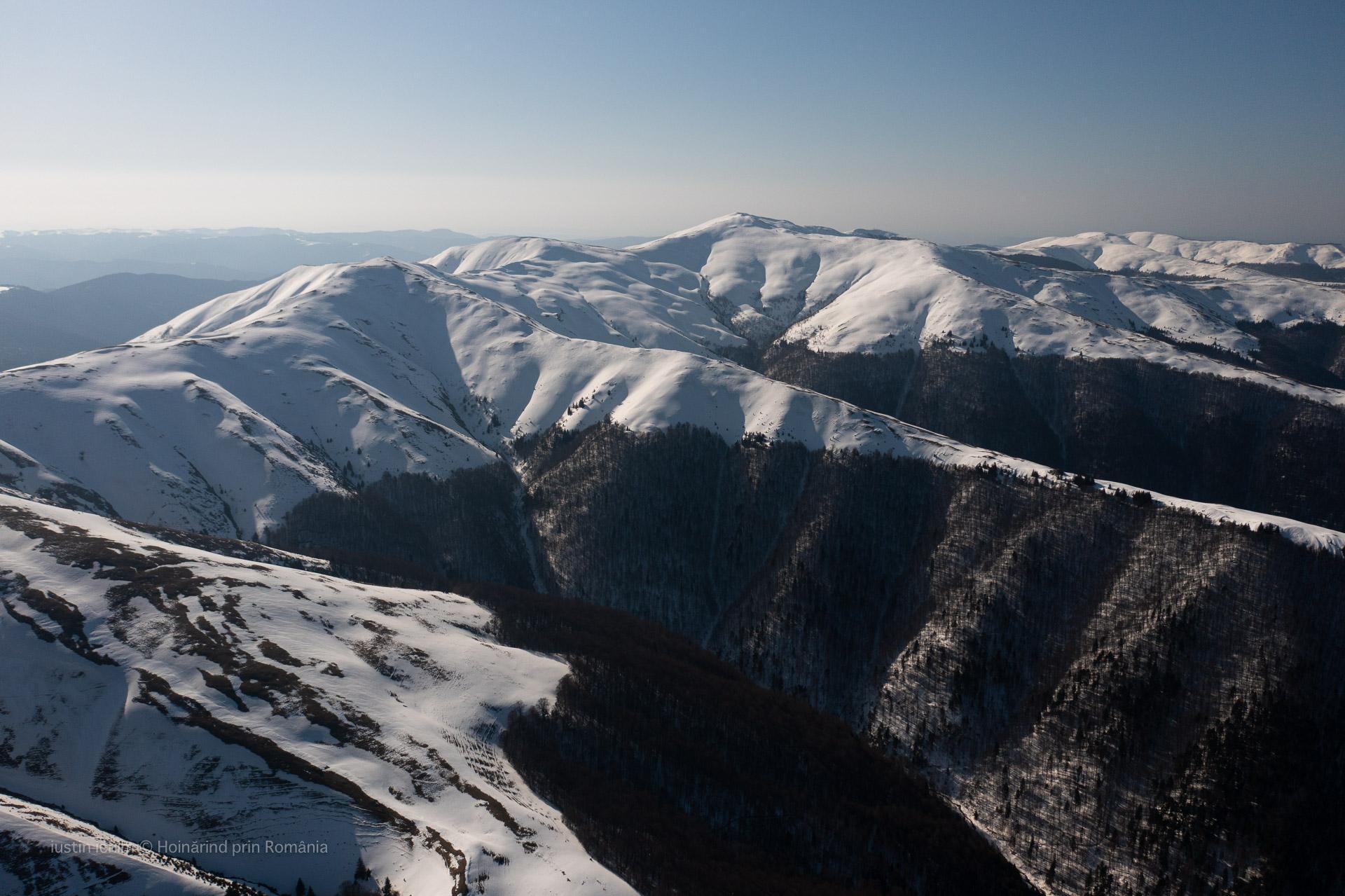 Muntii Baiului, vedere aeriană